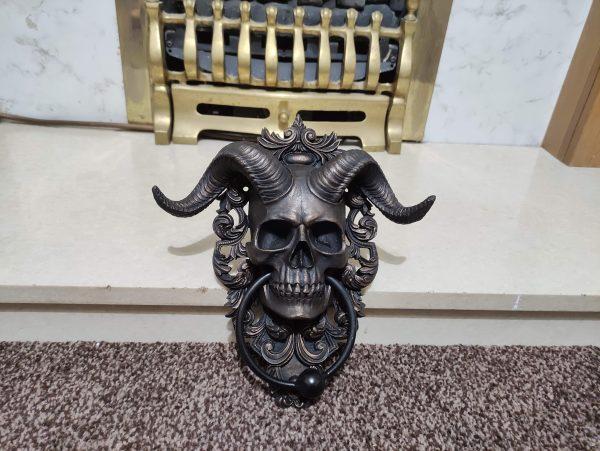 Skull Door knocker horns